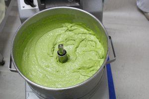 鮮やかな緑のぬたです