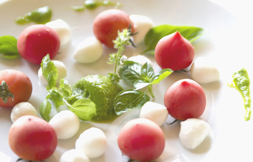 土佐流バーニャカウダ!温野菜を葉ニンニクジェノベーゼ風ソースで