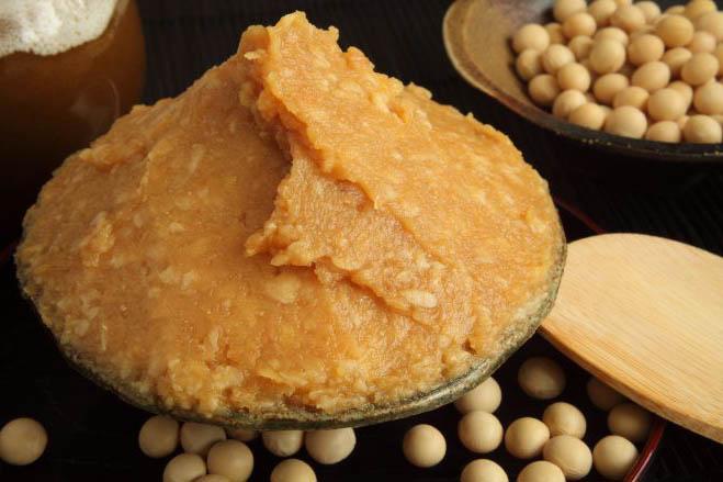 無添加の高級味噌を使用(有機の葉にんにくで作った無添加のぬた和風酢味噌)
